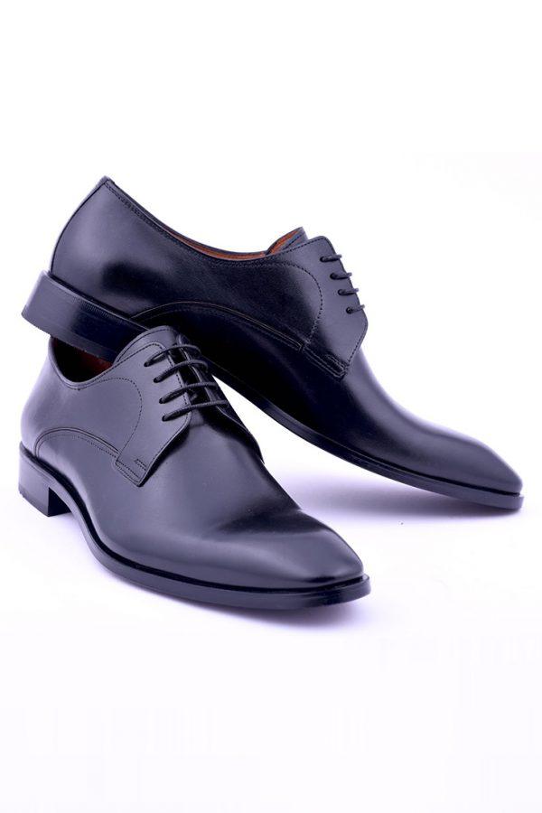 Manzetti-fekete-bőr-cipő