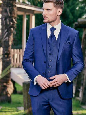 Manzetti-kék-öltöny-esküvőre