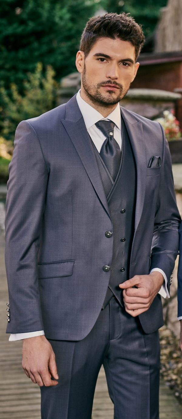 Manzetti-szürkéskék-esküvői-öltöny